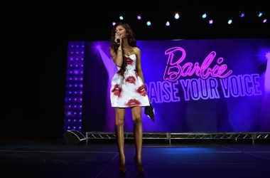 2015 Barbie Rock n Royals Concert Experience B-Roll